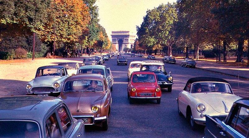 Paris proíbe a circulação de veículos pré-1997; carro de coleção é exceção