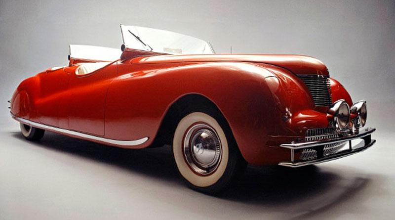 História: Chrysler Newport 1940 Dual Cowl Phaeton