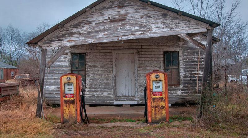 Projeto quer proibir circulação de automóveis a gasolina até 2040