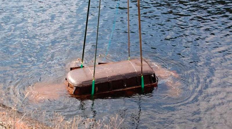 Você viu? Kombi 1957 fica submersa por 36 anos