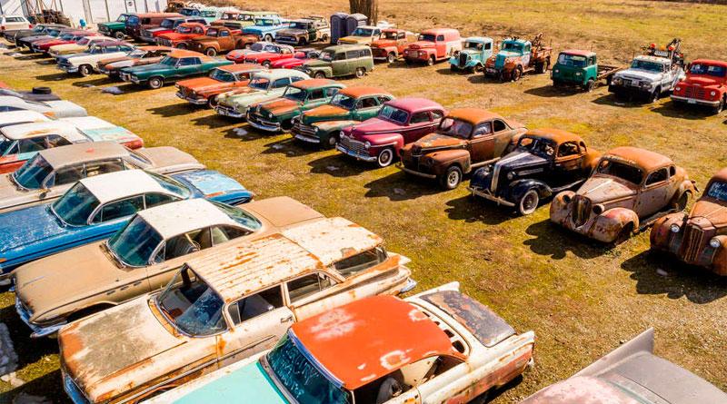 Canadá: 20 mil metros quadrados e mais de 340 automóveis antigos